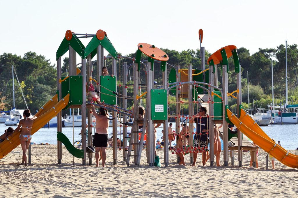 Jeux pour enfants plage de la Hume
